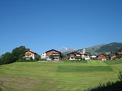 Rueun Dorf.jpg