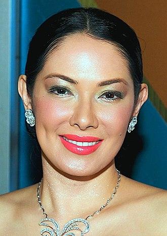 Habang Kapiling Ka - Ruffa Gutierrez portrays Venus Paraiso.