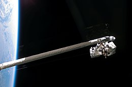 STS-121 Sellers Fossum RMS-OBSS.jpg