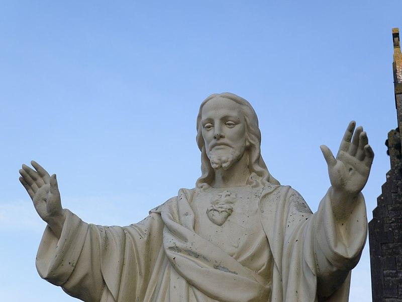 Statue du Sacré-Cœur.