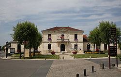 Saint-Laurent - mairie.jpg