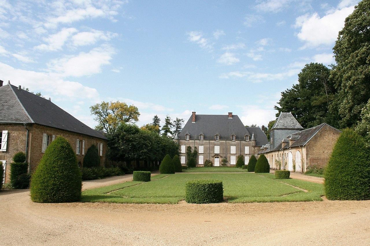 Saint-Marceau (08 Ardennes) - le Château - Photo Francis Neuvens lesardennesvuesdusol.fotoloft.fr jpg.JPG
