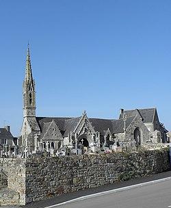 Saint-Nic (29) Église 01.JPG