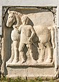 Sankt Veit Sankt Donat Pfarrkirche hl. Donatus röm. Reliefstein Pferdeknechtdarstellung 12092018 4660.jpg