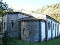 Santa María de Penamaior (ábsides).jpg