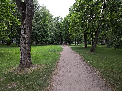 How to get to Sapiegų Rūmų parkas with public transit - About the place