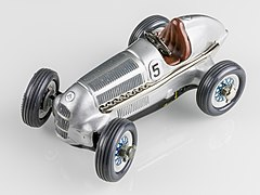 Schuco Studio 1050 Mercedes Grand Prix 1936-92541.jpg