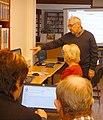 Senioři píší Wikipedii v Havířově 1.jpg