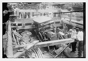 IRT Broadway–Seventh Avenue Line - 1915 Seventh Avenue subway collapse with car fallen in tunnel