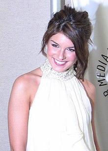 Shenae Grimes 2009.jpg