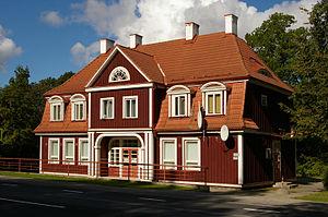Pärnu County - Image: Sindi raudteejaama hoone