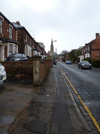 Yellow line (road marking) - Single yellow lines are common along residential streets near to workplaces