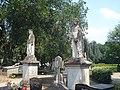 Sint-Oedenrode kunstwerk acht heiligenbeelden.jpg