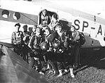 Skoczkowie spadochronowi przy An-2 1986 03.jpg