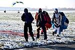 Skoki sylwestrowe sekcji spadochronowej Aeroklubu Gliwickiego, Gliwice 2017.12.30 (23).jpg