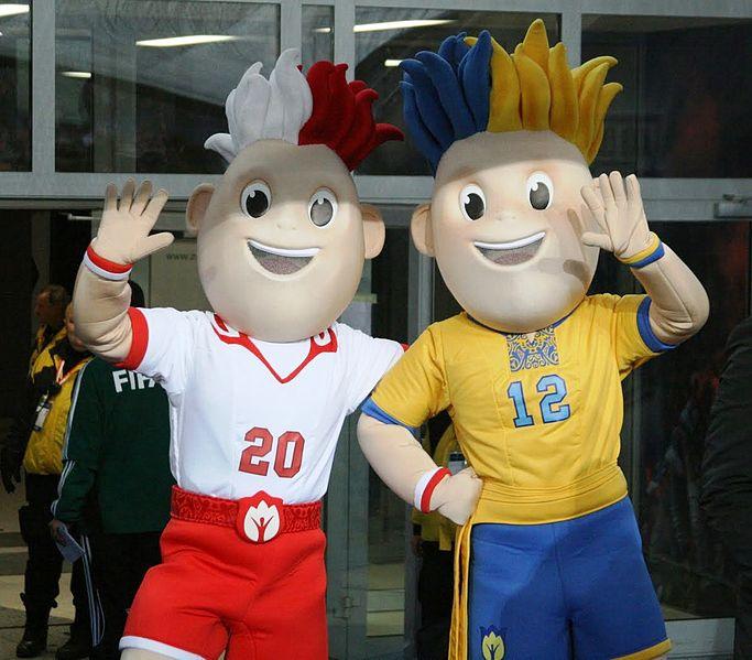 Maskot Piala Eropa 2012 Slavek dan Slavko