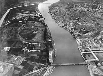 Eduard Spelterini - Aerial view for Nile River where the Egyptian Museum and the British barracks appear to the lower right side.