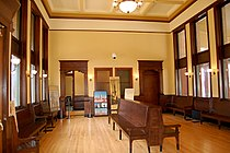 Springfield Union Station waiting room 2007.jpg