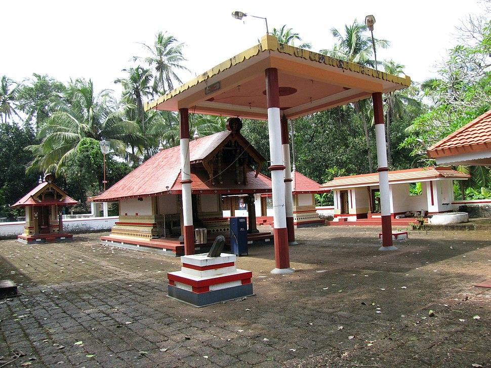 Sri Pullikkarinkaliyamma Devasthanam Kanhangadu
