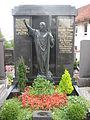 St. Georg (Böhen) Grab Wanner.JPG