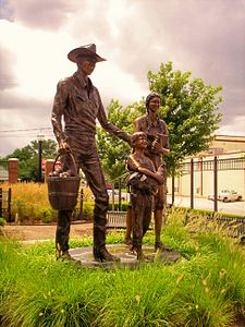 Statue downtown Broken Arrow Oklahoma.jpg