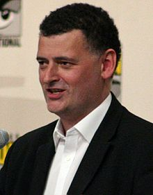 Wikipedia: Steven Moffat at Wikipedia: 220px-Steven_Moffat_Comic_Con_2008