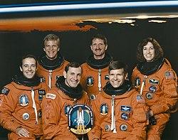 v.l.n.r. Jean-François Clervoy, Scott Parazynski, Curtis Brown, Joseph Tanner, Donald McMonagle, Ellen Ochoa