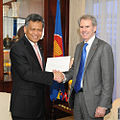 Surin Pitsuwan and David L Carden 20110426.jpg