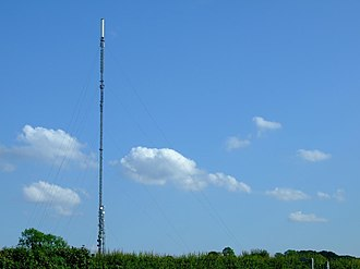 Sutton Coldfield transmitting station - Sutton Coldfield's mast in June 2007