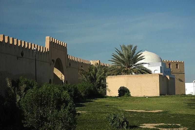 لها وكانت تسمى مطمور روما .فتحها المسلمون في القرن السابع