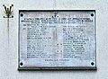 Tablica upamiętniająca pracowników poległych w czasie II wojny światowej na budynku dyrekcji Tramwajów Warszawskich przy ul. Siedmiogrodzkiej 20.jpg