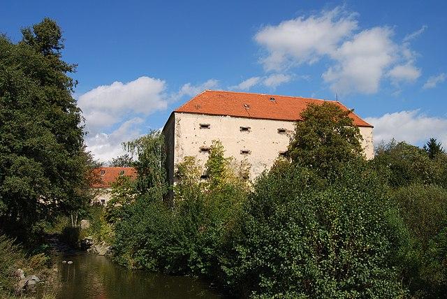 tvrz Tchořovice