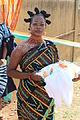 Tenue d'une hôtesse d'accueil en terre Baoulé.JPG