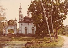A pretty mosque built in the mid-19th century in rural Bangladesh.