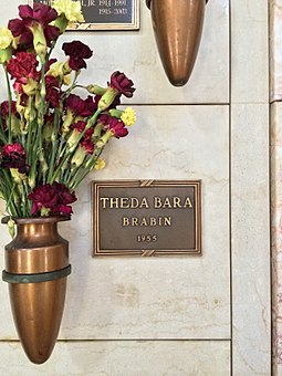 Bara's niche in the Great Mausoleum, Forest Lawn Glendale Theda Bara Grave.JPG