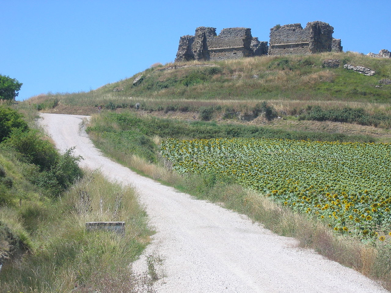 File Tiebas Castle Jpg Wikimedia Commons