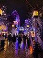 Tivoli in weihnachtlicher Beleuchtung.jpg