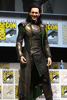 Tom Hiddleston dans son rôle de Loki au Comic Con.