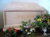 Tomb of Amália Rodrigues in Panteão Nacional.JPG