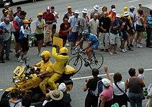 Photographie présentant Laurent Brochard à l'attaque dans le Tour de France 2005.