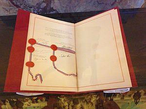 Documento de tratado original con firmas