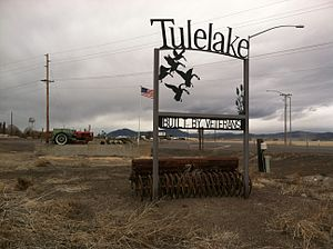 Welcome sign, south Tulelake