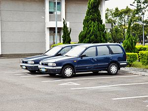 Two ROCAF Nissan AD Resort 1.6 Wagons Parked at Hsinchu AFB 20120602.jpg
