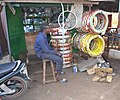 Un vendeur de pneus 04.jpg