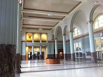Union Station (Houston) - Union Station Lobby is the main entrance to Minute Maid Park, and the former concourse of Union Station