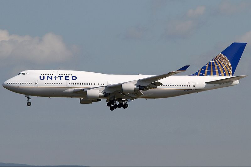 File:United Airlines Boeing 747-400 KvW.jpg