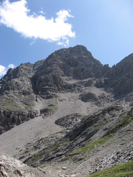 File:Urbeleskarspitze vom Urbeleskar aus.png