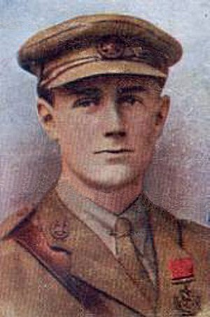 Geoffrey Vickers - Photo submitted by Martin Hornby - (Gallaher Cigarette Cards)