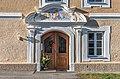 Velden Augsdorf Oberer Kirchenweg 9 Pfarrhof spätbarockes Portal 24122019 7747.jpg