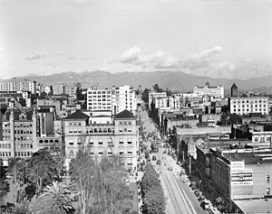 View of Hill Street, looking north from 6th Street, Los Angeles, ca.1913 (CHS-5692)